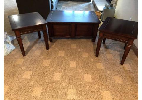 Matching coffee table & 2 side tables